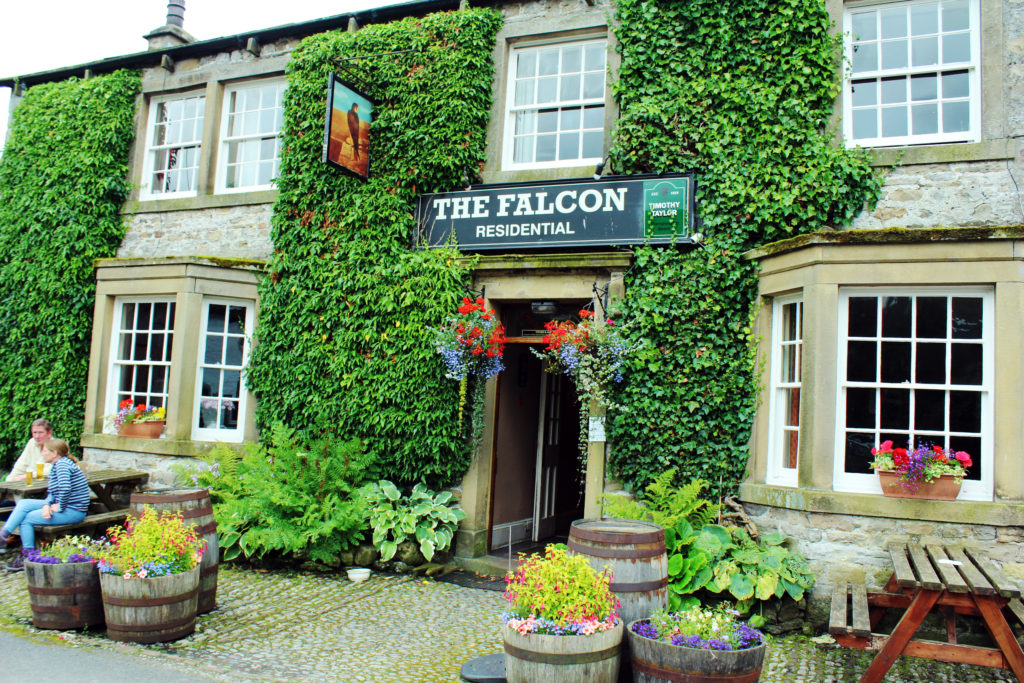 The Falcon Inn | Emmerdale Farm | Yorkshire Dales Tour