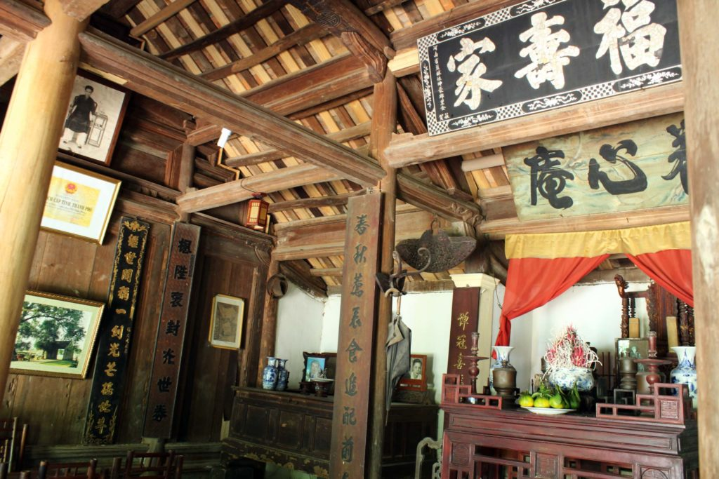 Traditional house at Duong Lam Ancient Village