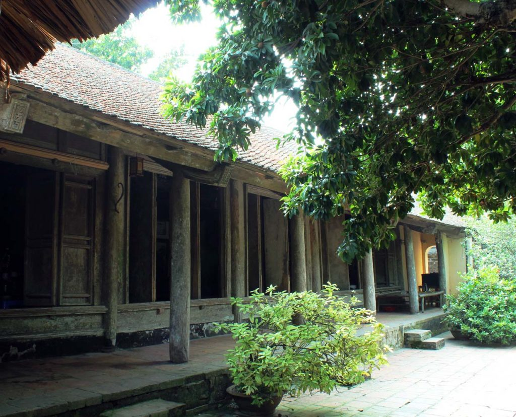 Traditional house at Duong Lam