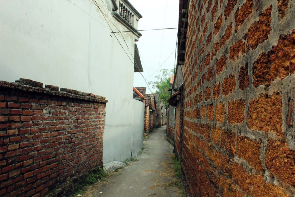 Aged-old alleys in Duong Lam Ancient Village